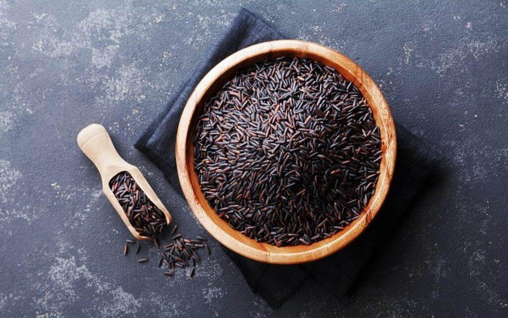Czarny ryż – gotowanie, cena i właściwości