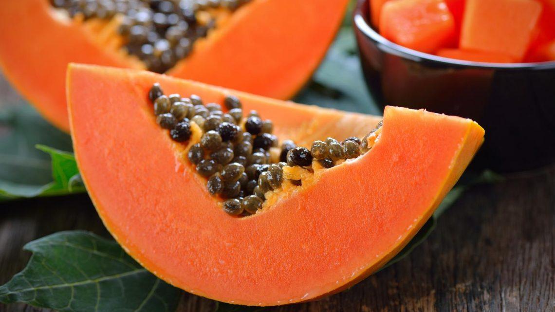 Papaja – jak smakuje i jak ją jeść?